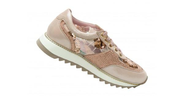 b6e1b745e ... так и экстравагантную обувь с яркой отделкой неординарных цветов. Это  могут быть как легкие удобные балетки, так и сапоги на высоком каблуке.